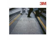 Benzi antialunecare autoadezive 3M SAFETY-WALK uz general